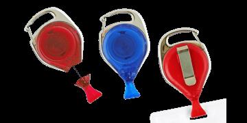 Portabadge avvolgibile con moschettone con sistema anti-attorcigliamento e clip per tessera